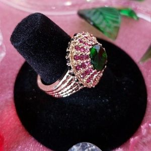 Jewelry - 🌹 💍 RICH & CLASSY 💍 EMERALD GREEN WITH RUBY RED